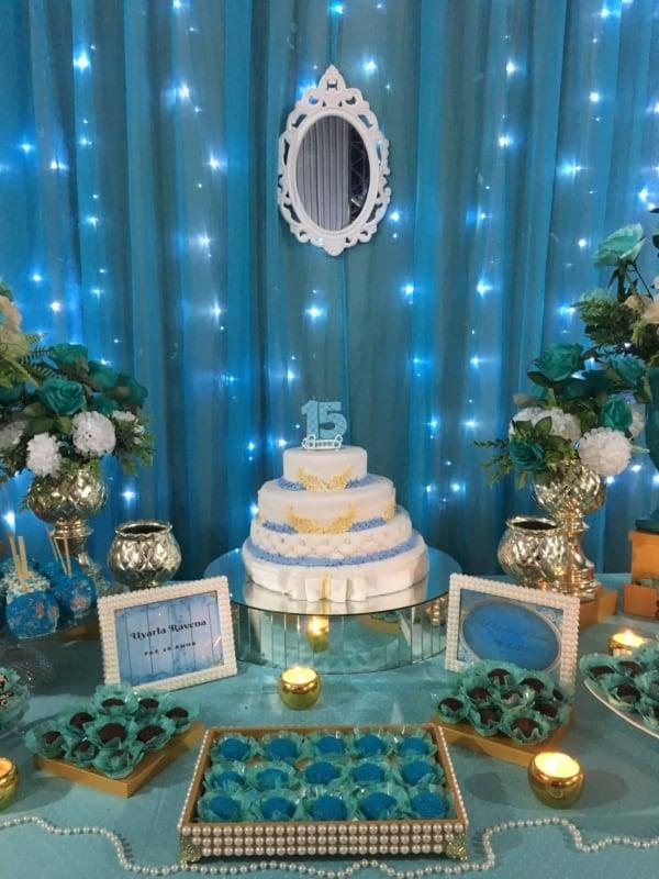 Cortina de LED para festas e casamentos Cortina de LED: Como usar na décor? +72 ideias INCRÍVEIS! https://casaeconstrucao.org/iluminacao/cortina-de-led/