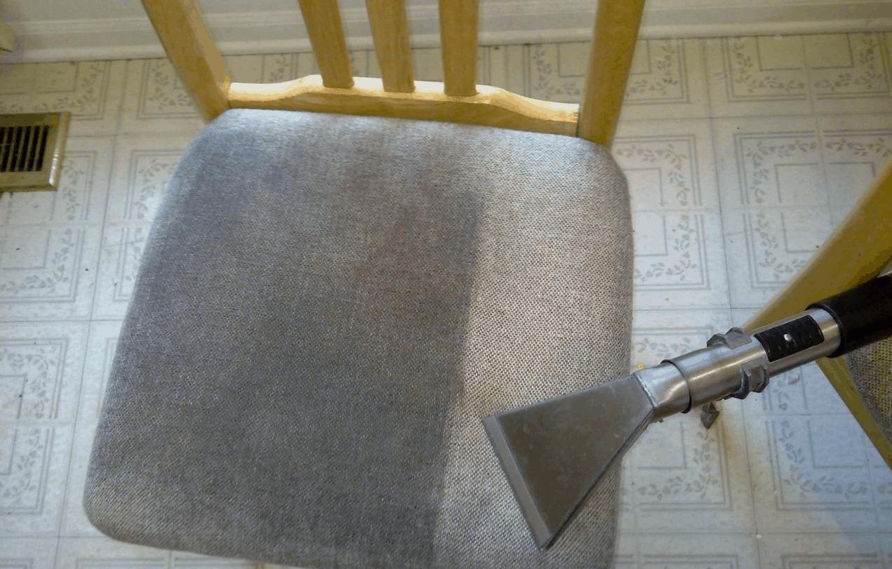 Como Limpar Estofado de Cadeira