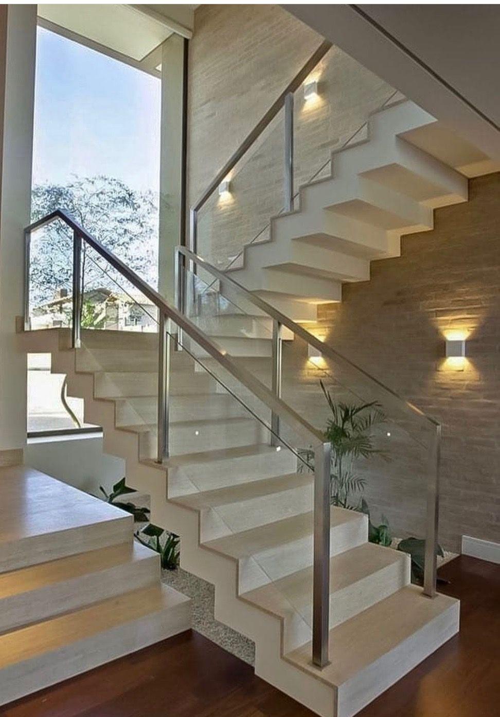 Escada de Mármore Branco Souza