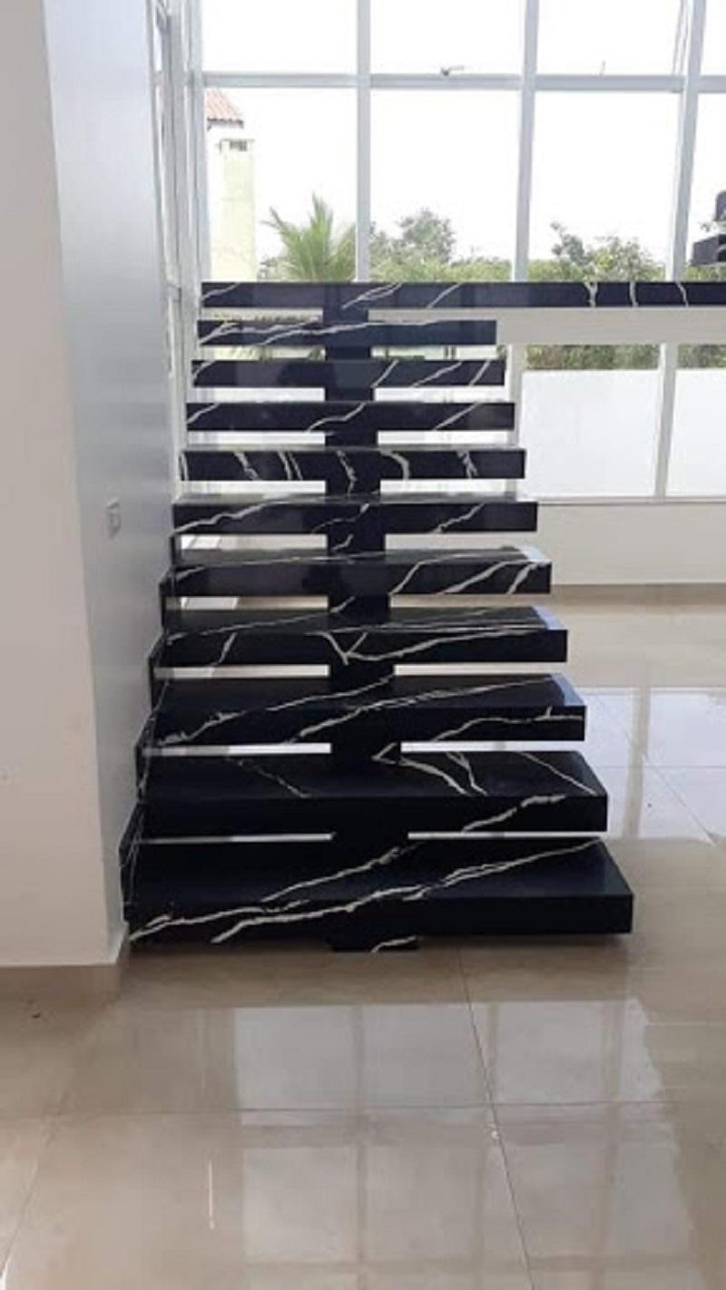 Escada de Mármore Preto Nero Marquina