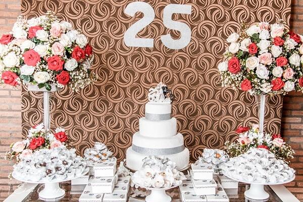 Decoração Criativa para Festa de 25 anos