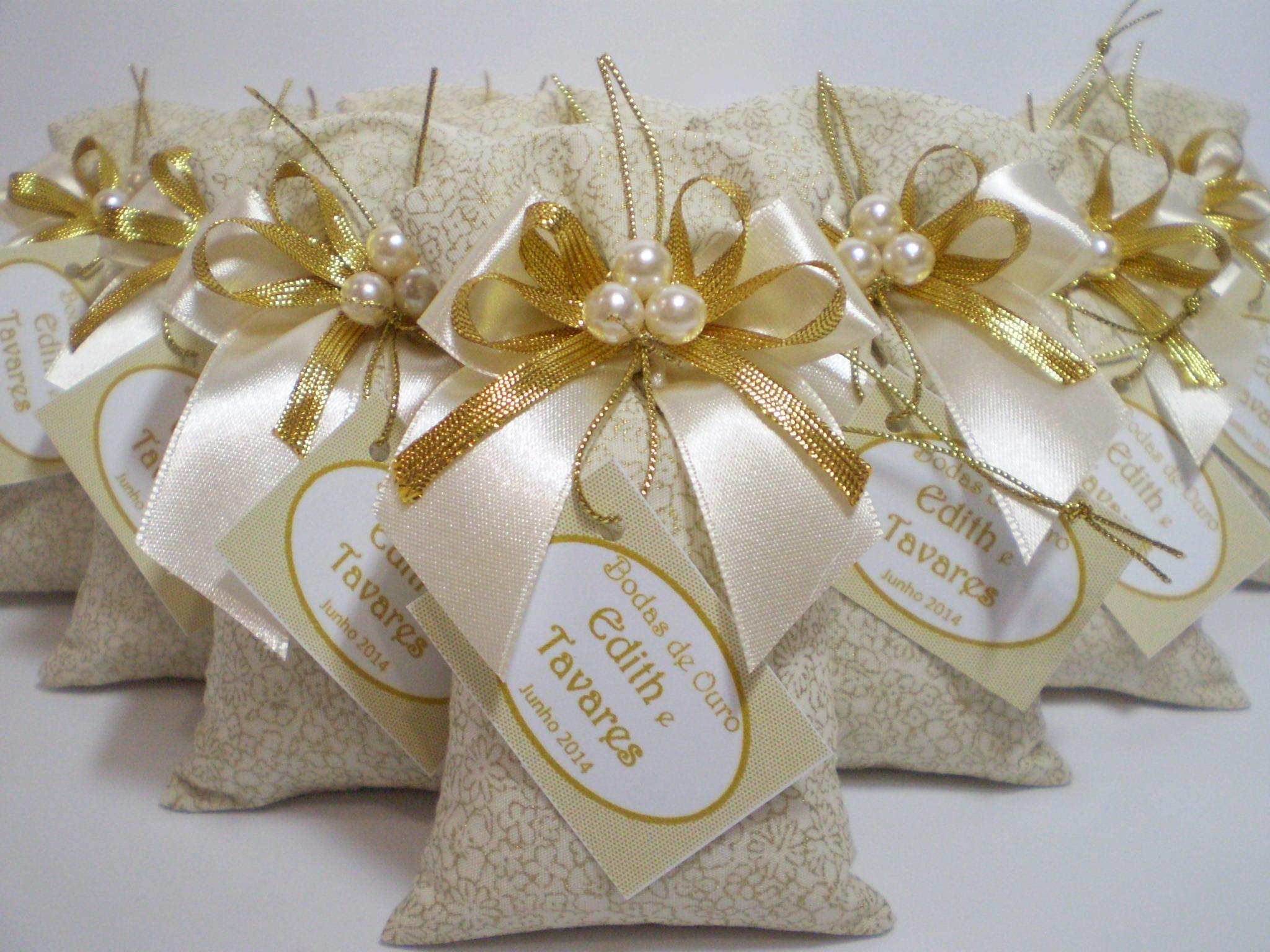 Convites e Lembrancinhas Para Bodas de Ouro