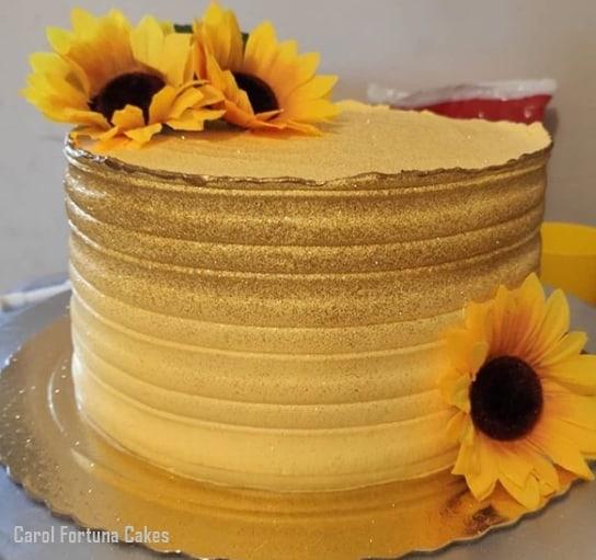 Glow Cake Dourado