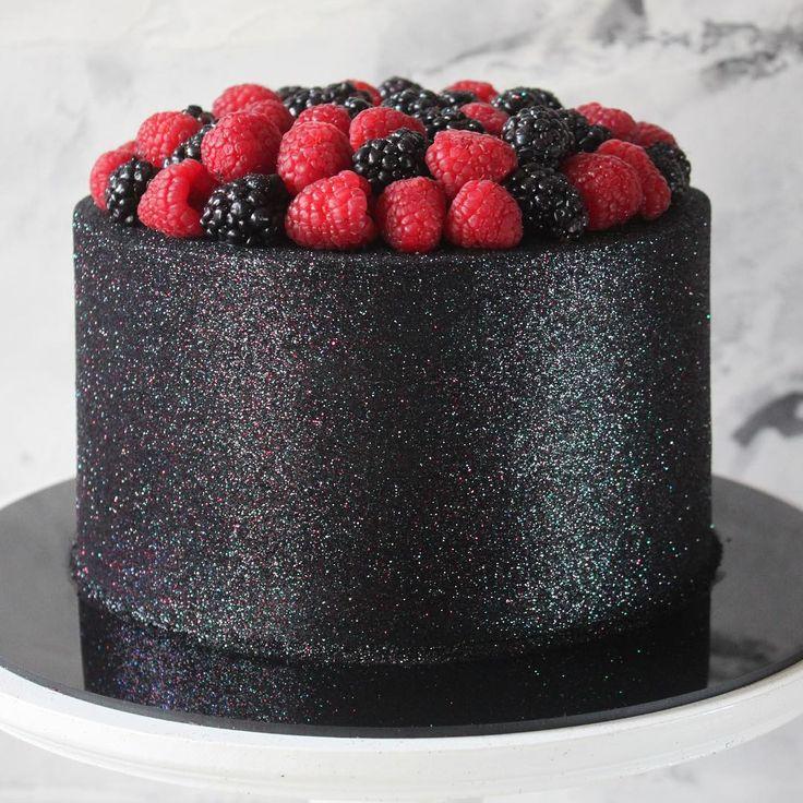 Glow Cake preto