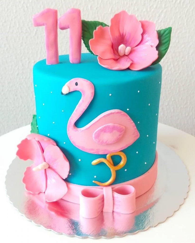 Bolo Tema Flamingo com Pasta Americana