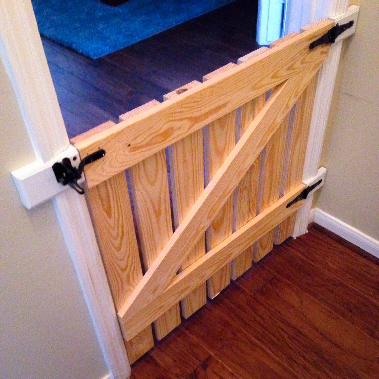 Portão para cachorro madeira