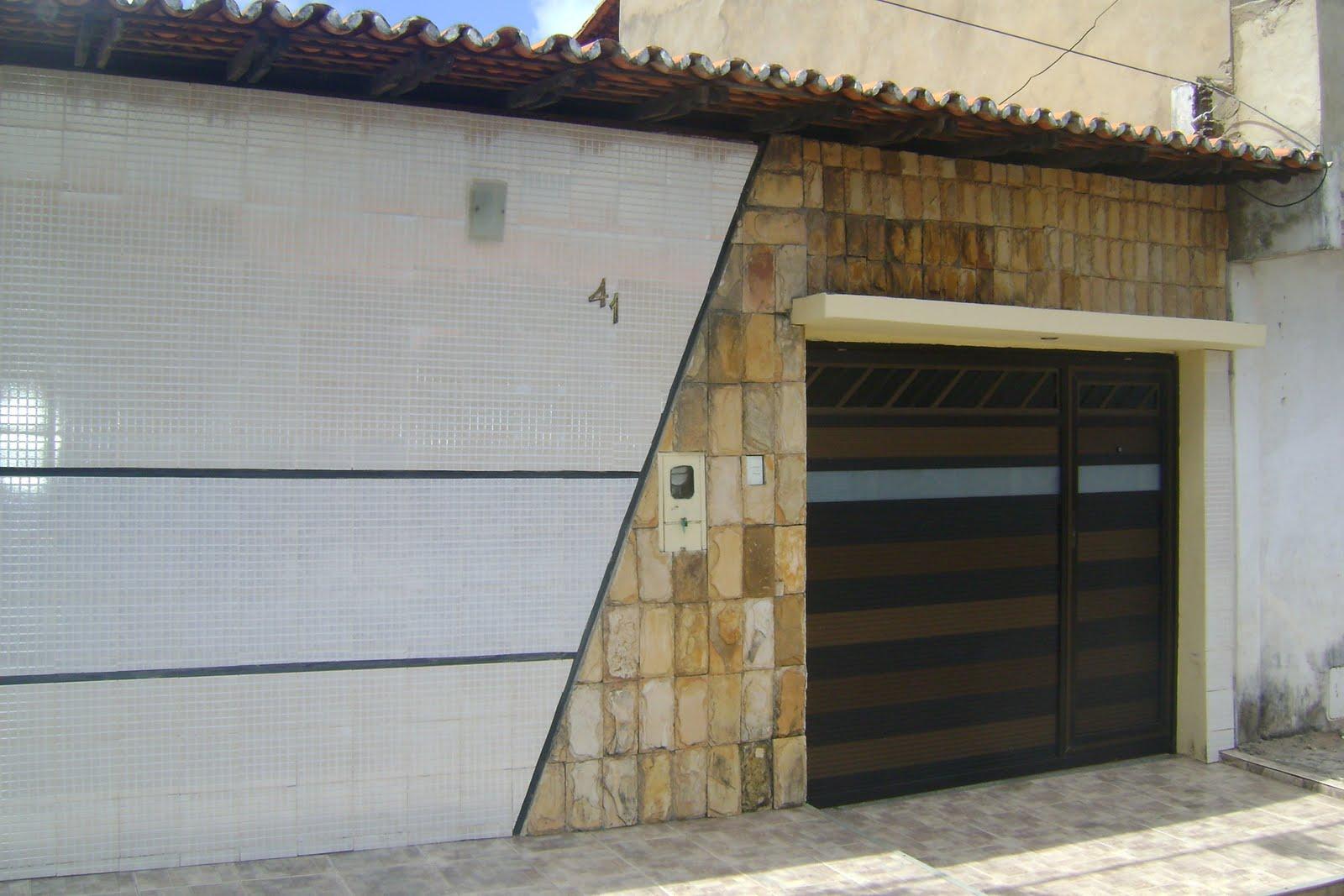Fachada de Muro com Cerâmica Simples
