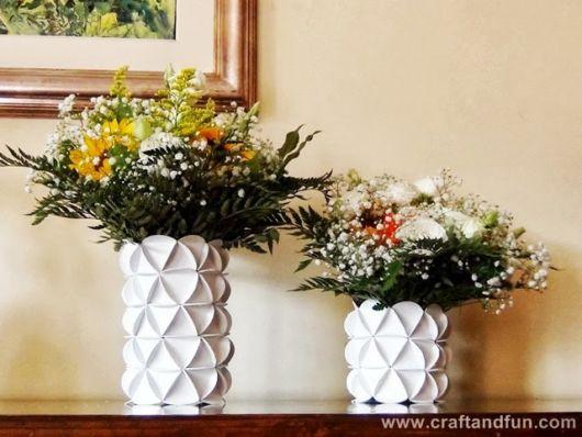 decoração com vaso de garrafa pet